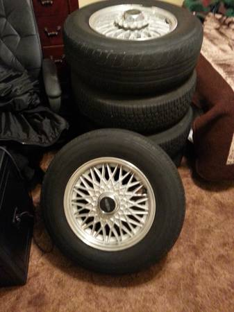 factory Lincoln towncar rims 1990-1997 - $340 (northwest)