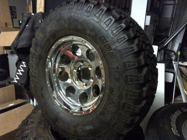 2857515 Pro Comp Mud Terrain Tire with Pro Comp Wheel - $300 (Reliant)