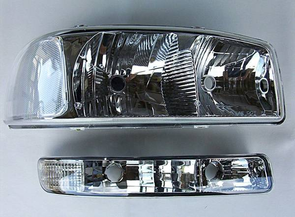 99-06 GMC Sierra Yukon Suburban Headlights ls Chrystal Clear - $160 (SW houston)
