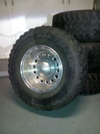 33 x 12.5 R16 Pro Comp Mud Terrain wheelstires - $550 (League City)