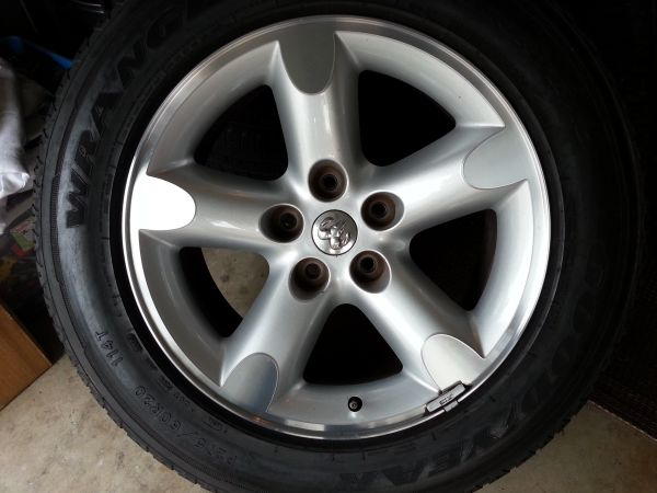 OEM 20 inch Dodge Ram rims and tires - $650 (Atascocita, Tx.)