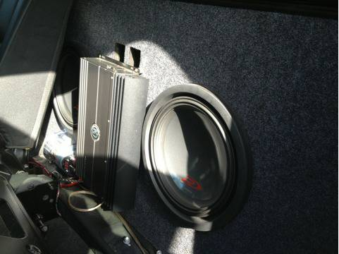 Avalanche mid gate sub box - $750 (Houston Tx)