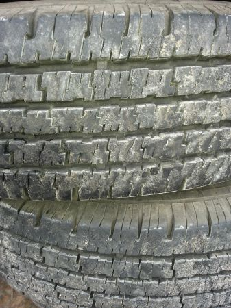 NPR truck and 18 wheeler tires - $1 (houston tx)