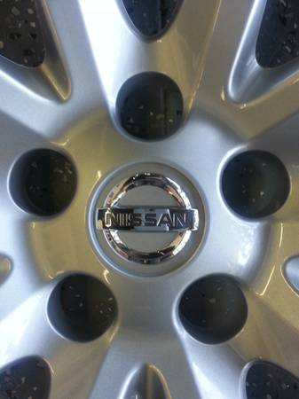 (16) Hubcaps For Nissan Altima 2013 - $100 (Houston )
