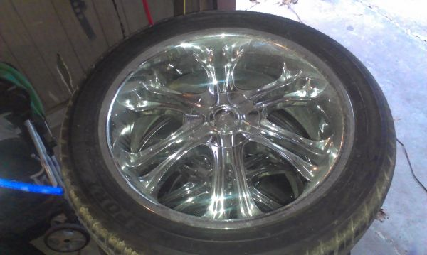 22 inch chrome 5 lug Universal rims - $900 (channelview)