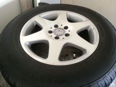 Mercedes Benz set of four rims with tires 27560r17 - $750 (west Houston obo)