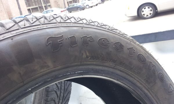 ONE excellent condition 205 55 16 Firestone tire - $30 (North Houston FM1960)