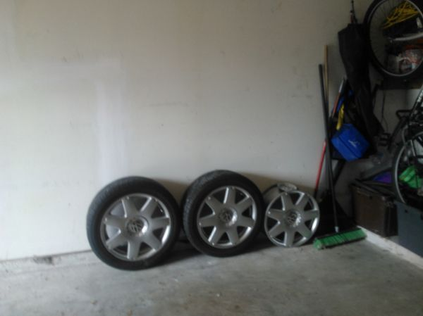 3 vw  bug wheels  and two tires  ( alief  area west oaks hwy6bellaria rds)