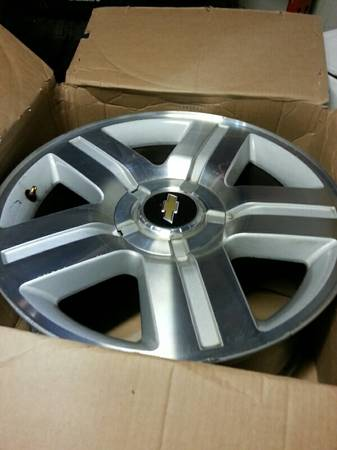 Chevrolet Silverado texas edition 20 wheel - $150 (Pearland 7134366045)