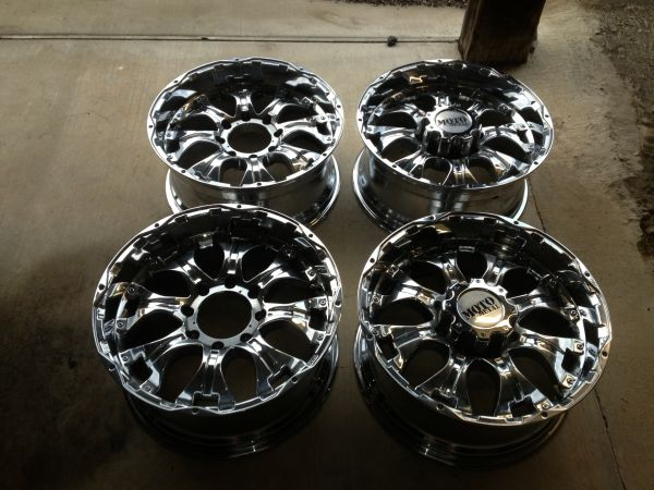 20x10 inch MotoMetal wheels for ford F250 8 lug - $800 (Montgomery)