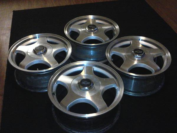 Chevy Impala Rims 16in. 5x115 bolt pattern