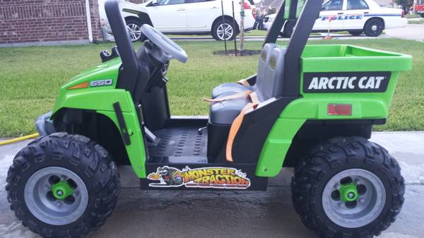 artic cat power wheels - $200 (Deer Park)