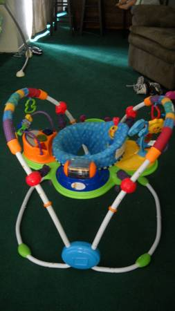 Exell. Condition BIG baby items swing, bouncer, activity chair (spring tx)