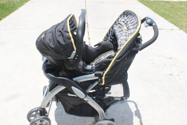 Bertini B5 travel system Valencia ($125 obo) - $125 (Humble)