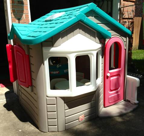 Step 2 Naturally Playful Welcome Home Playhouse - $250 (RichmondKaty)