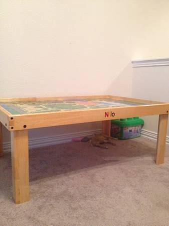 Nilo Play Table For Sale
