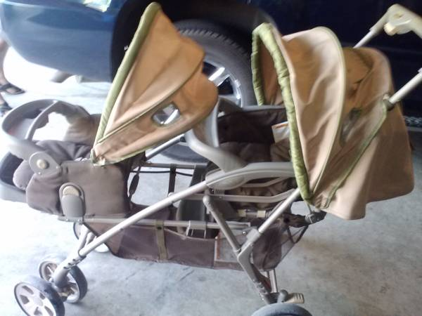 SAFETY FIRST STROLLER, DOUBLE, NICE LOOKING - $120 (PEARLAND)