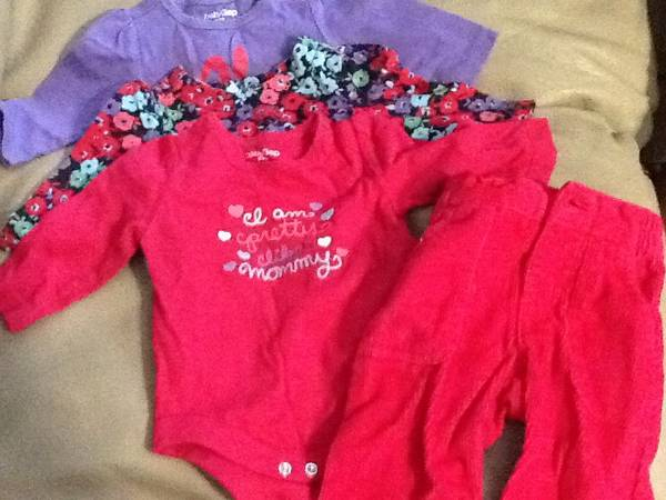Baby girls baby gap clothes. 3 onesies and pink corduroy pants - $8 (The woodlands)
