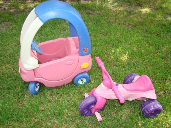 Step 2 pink cozy coupe - $25 (NorthwestSpringChions)