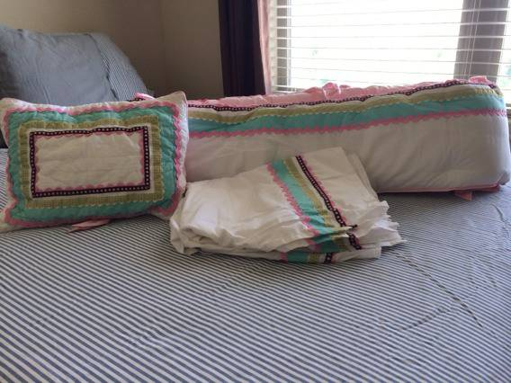 Pottery Barn Girls Crib Bumper, Pillow and Bed Skirt - $80 (Katy Texas)