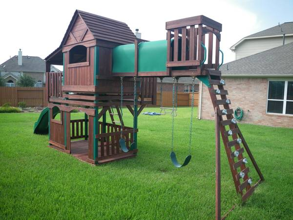 Woodridge Outdoor Kids Playset with Swings and Slide - $800 (Katy TX)
