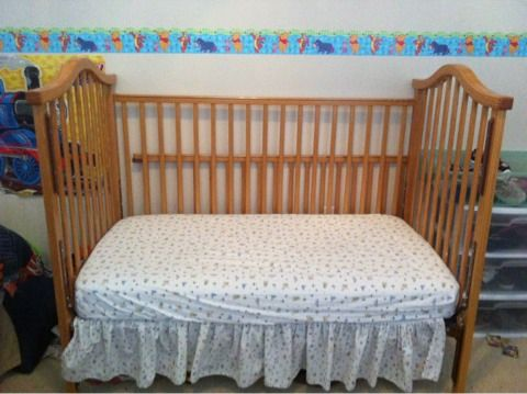 Nice Solid Oak Wood Baby Crib that Converts to Toddler Bed - $125 (Huffmiester Hwy 6)