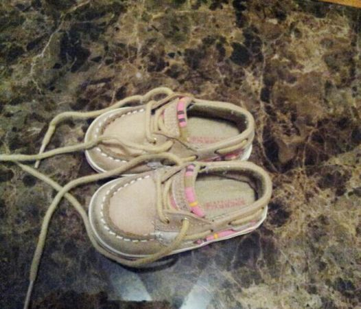 tan Sperry Shoes Size 3 toddler girls - $12 (77587)
