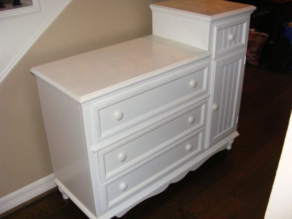 bassett baby changing table for sale. Black Bedroom Furniture Sets. Home Design Ideas