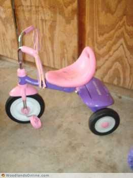 WOWGirl RADIO FLYER Fold n Go TRIKEGREAT GIFTMORE TOO - $23 (NW HOUSTON - Spring)