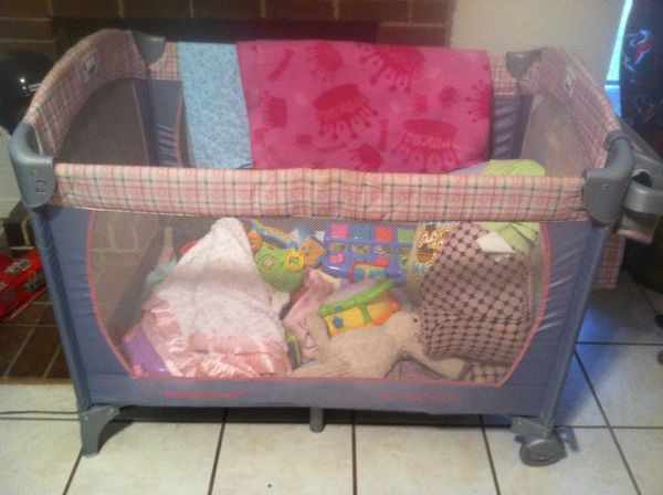 Pack N Play Grey and pink - $40 (Clear Lake)