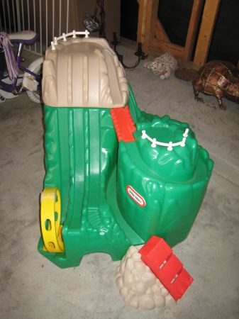 SUPER RARE Little Tikes Hot Wheel Mountain - very hard to find - $50 (West Houston)