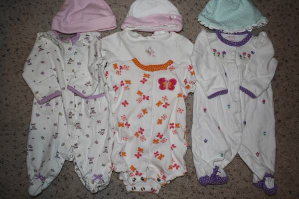 Baby girl clothes NB to 9mo for sale (or exchange I need boys 2T) - $1 (Heights)