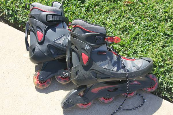 2XS Inline roller skates in size 9  - $10 (Tomball)