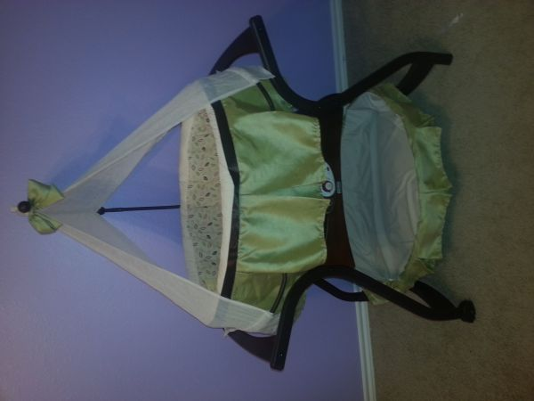 Fisher Price Zen collection baby bassinet - $150 (southeast Houston)