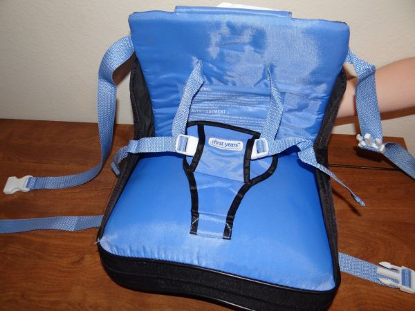 On-the-Go Booster Seat for a baby - $10 (pearland)