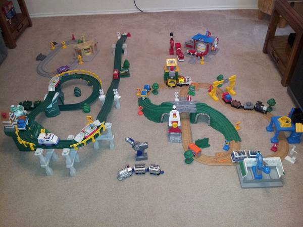 HUGE lot of Geo Trax - $100 (Tomball, 77375 NW Houston)