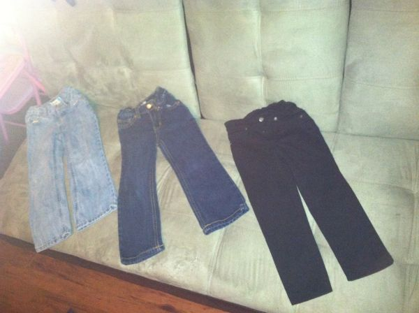 TODDLER GIRL 4T JEANS (BABY GAP, OLD NAVY  CHILDRENS PLACE - $1 (196045)