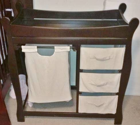 Badger Basket Changing Table wHer Baskets Great Condition - $70 (ClearlakeWebsterPasadena)