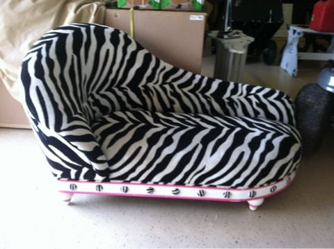 BOMBAY KIDS ZEBRA CHAISE LOUNGE - $100 (CYPRESS)
