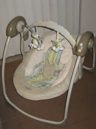 Boppy portable baby swing - $1 (Hobby Airport area or Wallisville area)