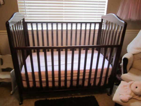 Dark Cherry Wood Pali Crib WITH Attached Sliding Drawer Underneath - $150 (SpringThe Woodlands)
