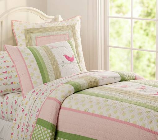 POTTERY BARN Girls Bedroom set - NEW Bedding Set, L and decor - $250 (Houston Heights)