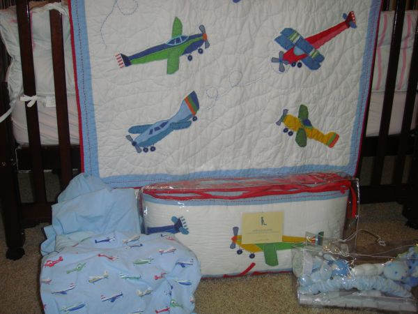 Pottery Barn Airplane Bumper and Quilt Crib Bedding Set - $150 (Friendswood)