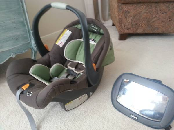 Chicco KeyFit 30 Travel System-car seat and stroller - $75 (Baytown)