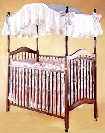 Dark Cherry Wood Canopy Crib - $75 (The Woodlands)