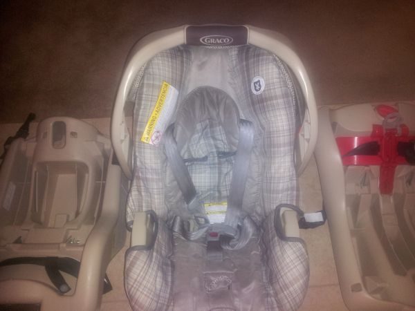 Car Seat, Bouncer,Rock N Play Jumper - $160 (Houston)
