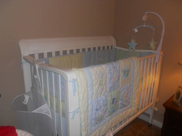 Pali Brand Crib For Sale
