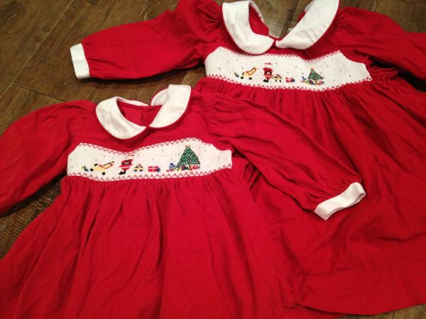 SIZE 2 GIRLS CHRISTMAS SMOCKED DRESS KELLYS KIDS GAP DRESSES PJS - $2 (NEAR MEMORIAL CITY MALL)