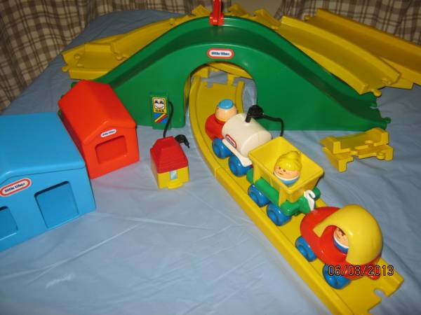 Little Tikes Tykes Vintage TRAIN set....adorable - $50 (Sharpstown Fulshear Katy)