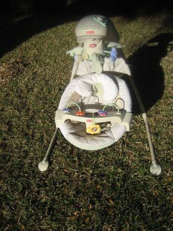 Fisher Price - Natures Touch Cradle Swing Like New - $65 (Houston West)
